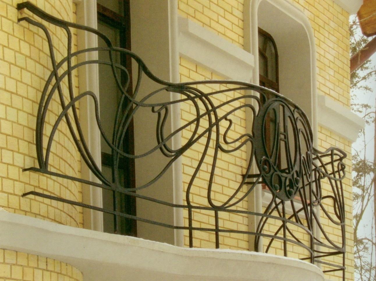 Дизайн кованных балконов.